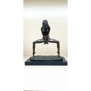Обнаженная танцовщица (стриптиз)