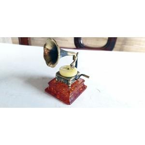 Граммофон на янтаре