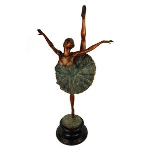 Балерина большая ( на одной ножке)
