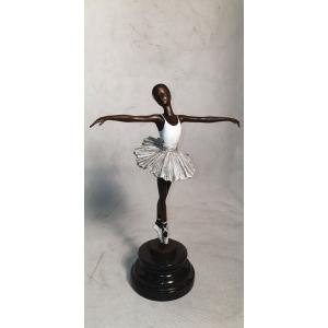 Балерина в белом