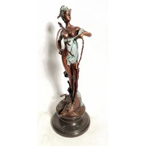 Диана - богиня охоты на кабане (зелёная)