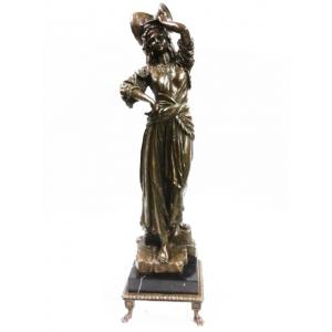 """статуэтка из бронзы """" Девушка с кувшином """" (на подставке)"""