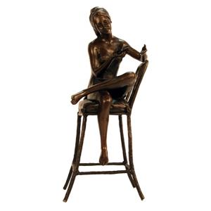 """статуэтка из бронзы """"Девушка на стуле с птичкой"""""""