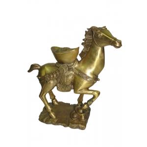 Лошадь с золотом