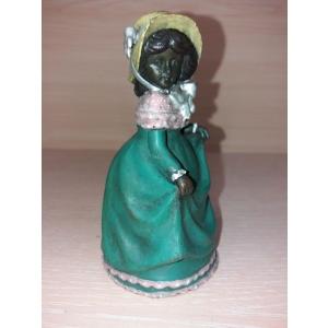 колокольчик Девочка в зеленом платье. Венская бронза.