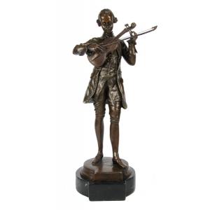 Бронзовые бюсты и скульптуры великих писателей, музыкантов и поэтов