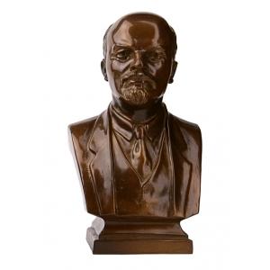 Бюсты и скульптуры политиков, военачальников и знаменитых людей советского периода