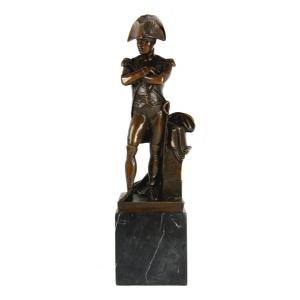 Бюсты и скульптуры из бронзы знаменитых иностранных деятелей