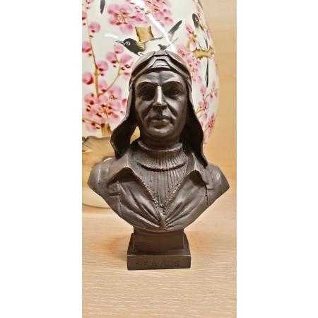 бюст  Чкалова из бронзы