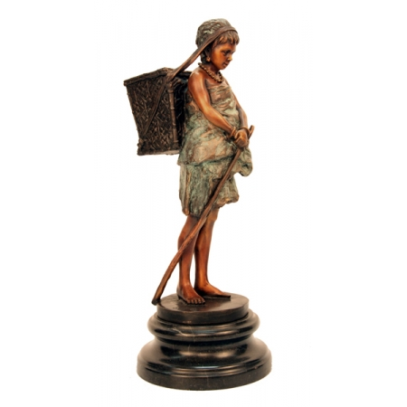 Статуэтка Девушка-туземка с корзиной