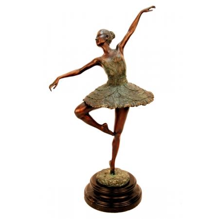 Балерина подогнула ножку