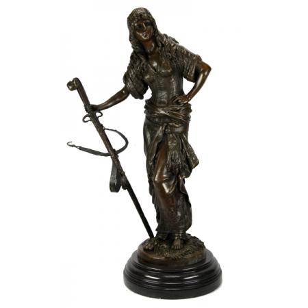 Пиратка с мечом