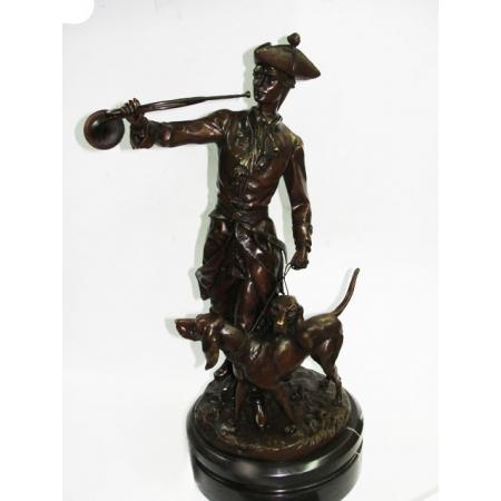 """статуэтка """"Охотник стоит с собаками"""""""