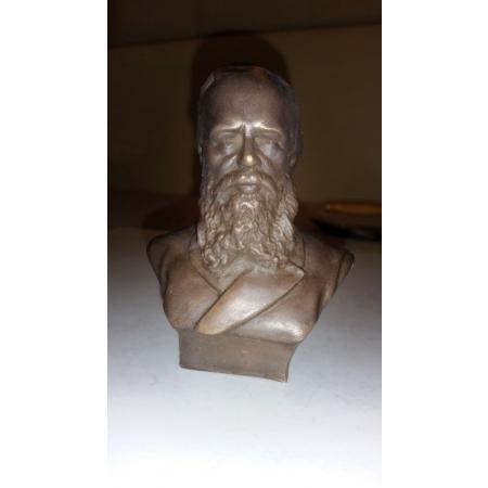 Бюст Достоевский