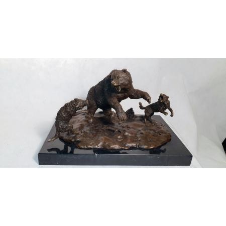 Медведь и волки (Либерих)
