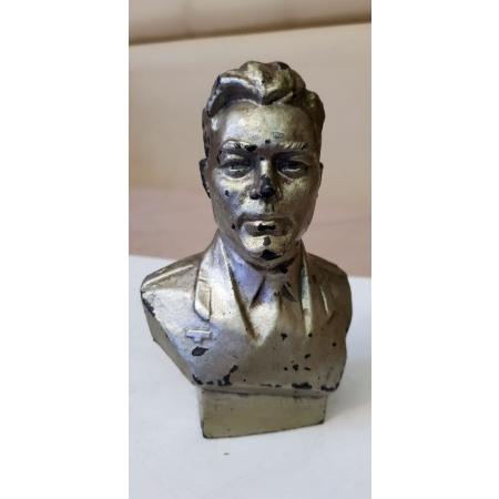 Космонавт А. Николаев (силумин, 60-е годы)