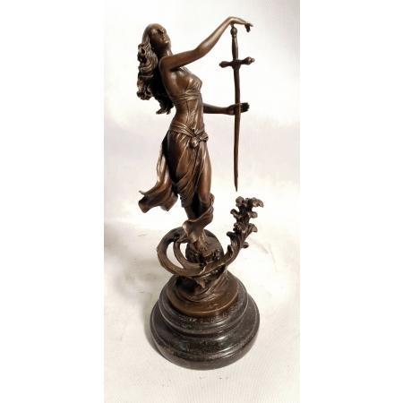 Девушка с мечом (танцовщица)