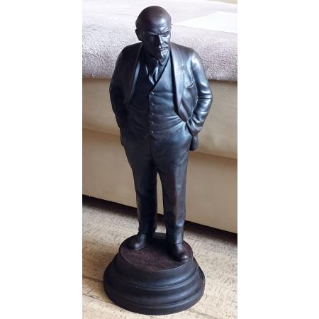 Ленин на постаменте огромный (чугун, 20-30 годы)
