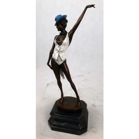 Танцовщица кабаре в шляпке (цветная)