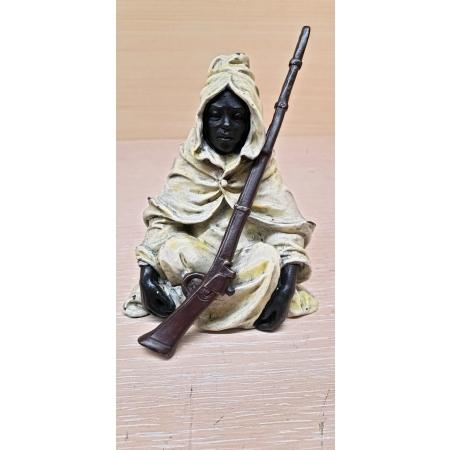 Бедуин с ружьем ( венская бронза)