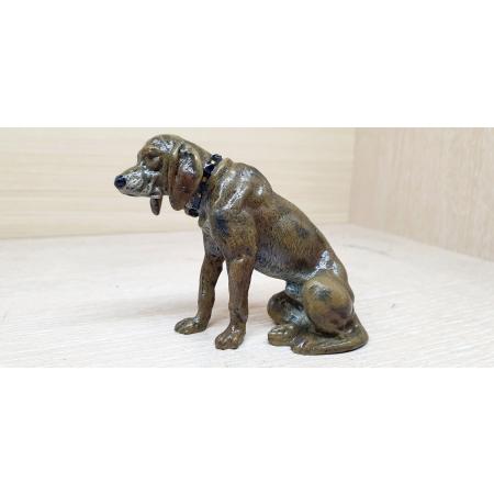 Собака с ошейником (венская бронза)