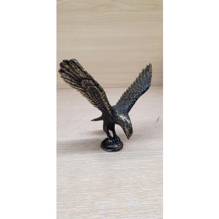 Орел с распростертыми крыльями (миниатюра)
