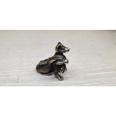 Крыса с мешком (миниатюра)