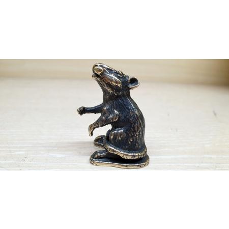 Крыса стоит (миниатюра)