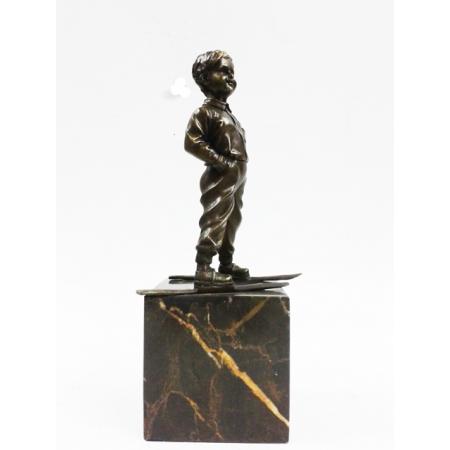 """статуэтка из бронзы """" Мальчик на лыжах """""""