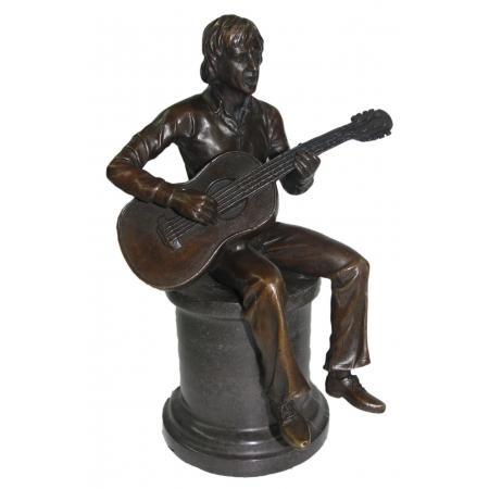 """статуэтка из бронзы """"Высоцкий с гитарой на тумбе"""""""