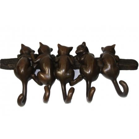 Коты вешалка