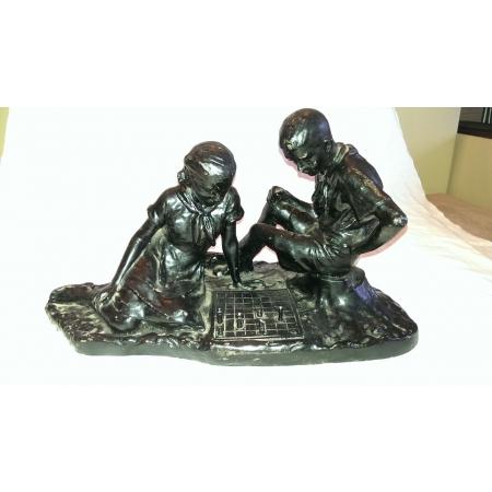 статуэтка  Пионеры играют в шахматы