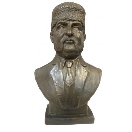 бюст Ахмат-Хаджи Кадыров