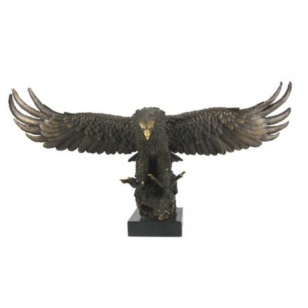 Орёл с открытыми крыльями большой