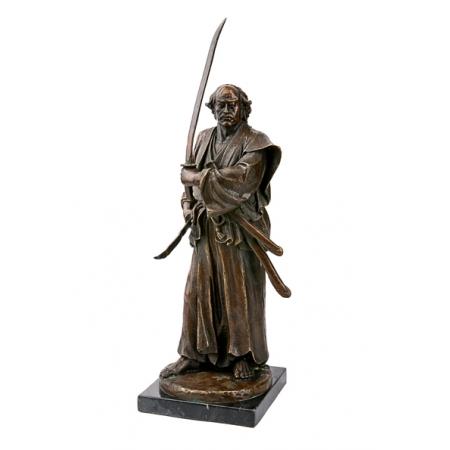 Самурай с двумя мечами